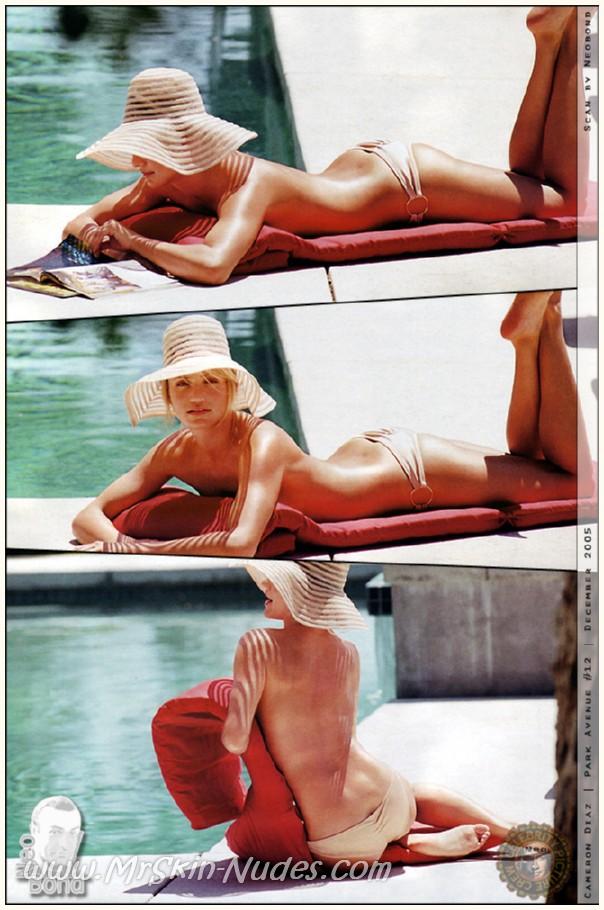 Rihanna poses nude