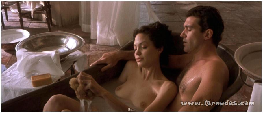 andzhelina-dzholi-erotika-film