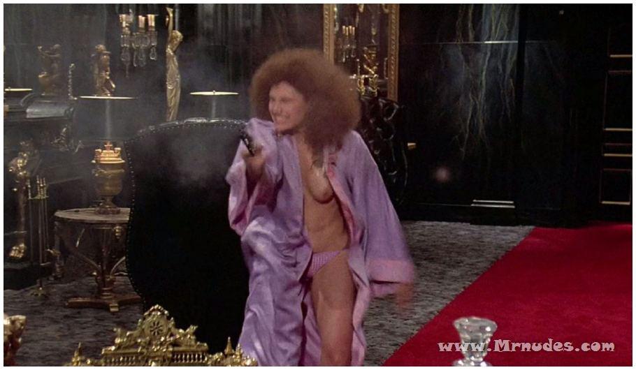 Nude Mary Elizabeth Mastrantonio Pic